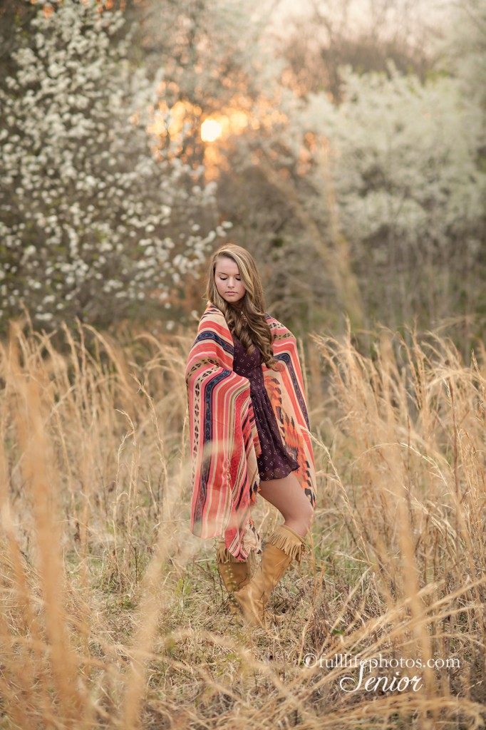 Senior portraits girl in field
